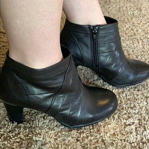 Michelle D. Black booties